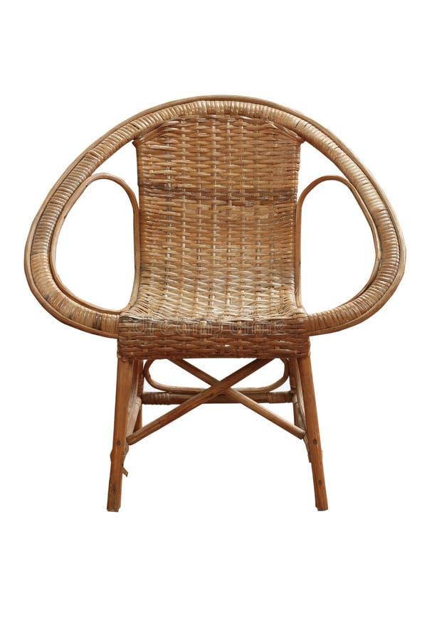 Παλαιά ψάθινη καρέκλα που απομονώνεται στο άσπρο υπόβαθρο Ψαλιδίζοντας μονοπάτι στοκ φωτογραφία