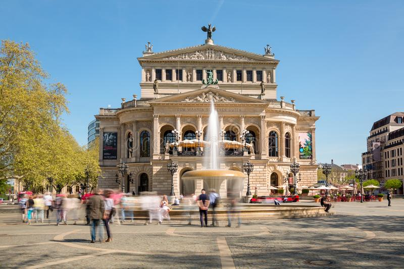 Παλαιά Όπερα Alte Oper στη Φρανκφούρτη Γερμανία στοκ εικόνες