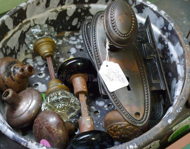 Παλαιά doorknobs, συλλογή, σύνολο, για την πώληση στοκ εικόνα