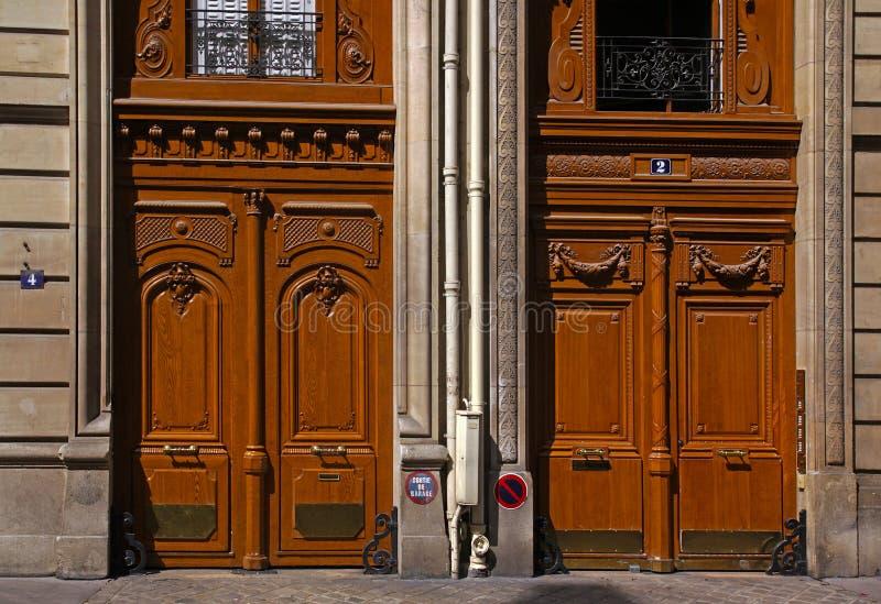 Παλαιές γαλλικές πόρτες στοκ φωτογραφία με δικαίωμα ελεύθερης χρήσης