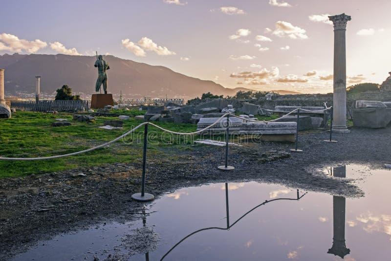 Παλαιές καταστροφές στην Πομπηία Ιταλία στοκ εικόνες
