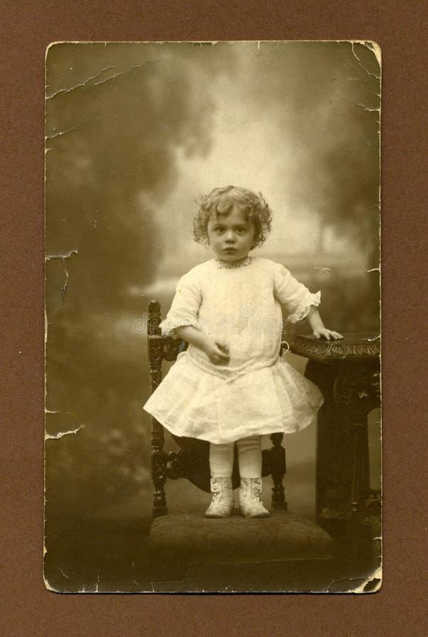 παλαιές νεολαίες φωτογραφιών κοριτσιών αρχικές στοκ εικόνες