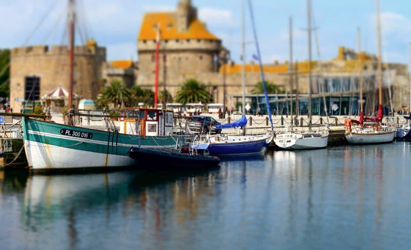 Παλαιές φρεγάτα και βάρκες πειρατών σε ST-Malo στοκ φωτογραφία με δικαίωμα ελεύθερης χρήσης