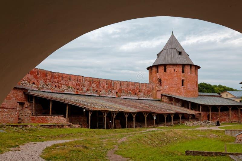Παλαιοί πόλης τοίχοι και πύργοι Veliky Novgorod, Ρωσία στοκ εικόνα με δικαίωμα ελεύθερης χρήσης