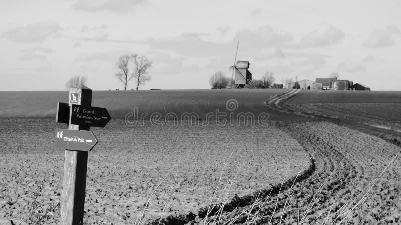Παλαιός ανεμόμυλος στο pitgam, Γαλλία στοκ φωτογραφίες με δικαίωμα ελεύθερης χρήσης