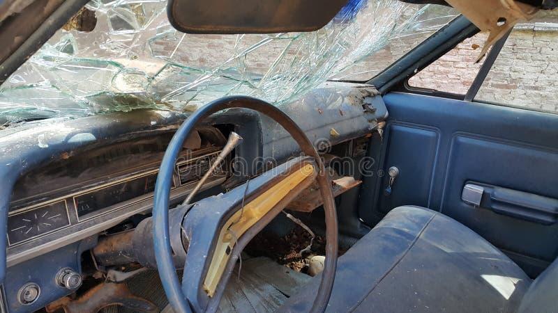 Παλαιός αυτοκινήτων που σπάζουν στοκ φωτογραφία