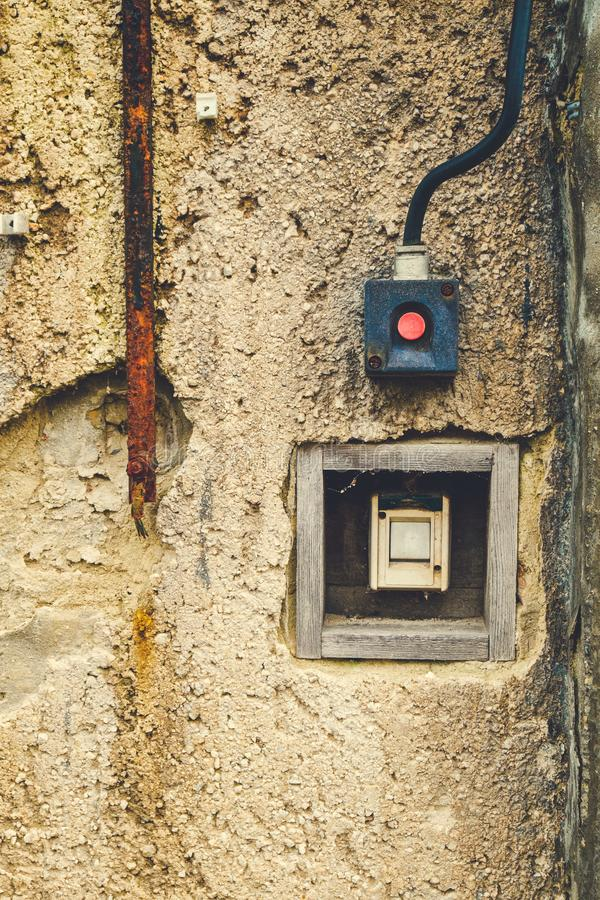 Παλαιός ηλεκτρικός διακόπτης στοκ φωτογραφία με δικαίωμα ελεύθερης χρήσης