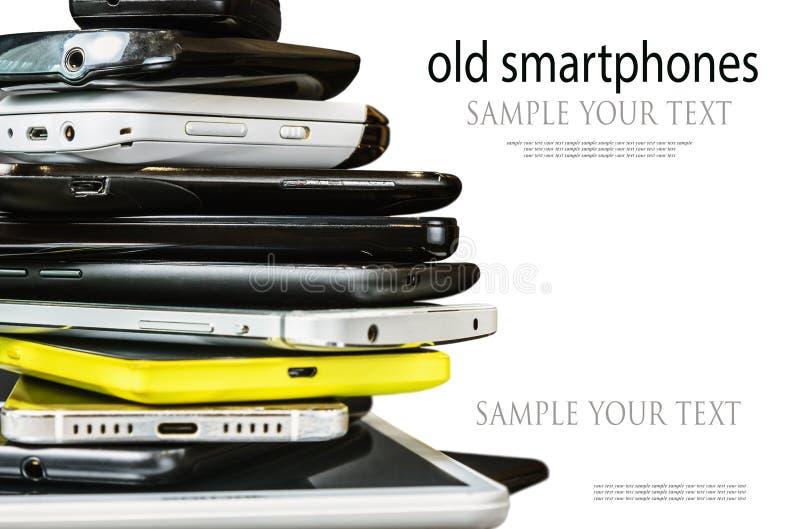 Παλαιός και σπασμένος smartphones και κινητά τηλέφωνα στοκ φωτογραφίες