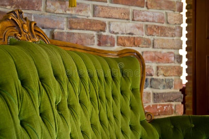 παλαιός καναπές στοκ εικόνα