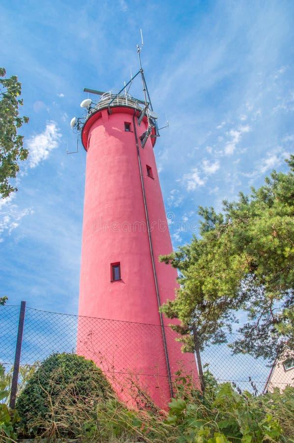 Παλαιός κόκκινος φάρος σε Krynica Morska στην Πολωνία στοκ φωτογραφίες με δικαίωμα ελεύθερης χρήσης