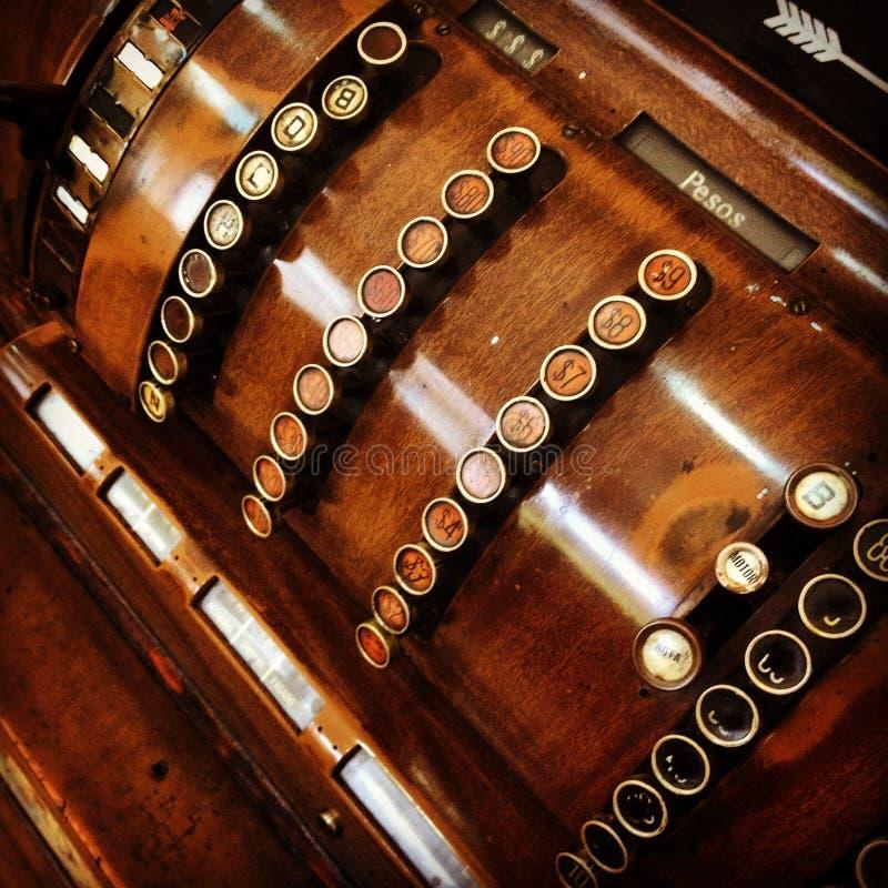Παλαιός ξύλινος εκλεκτής ποιότητας κατάλογος μετρητών στοκ φωτογραφία