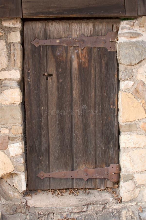παλαιός ξύλινος μυστηρίου πορτών στοκ εικόνες