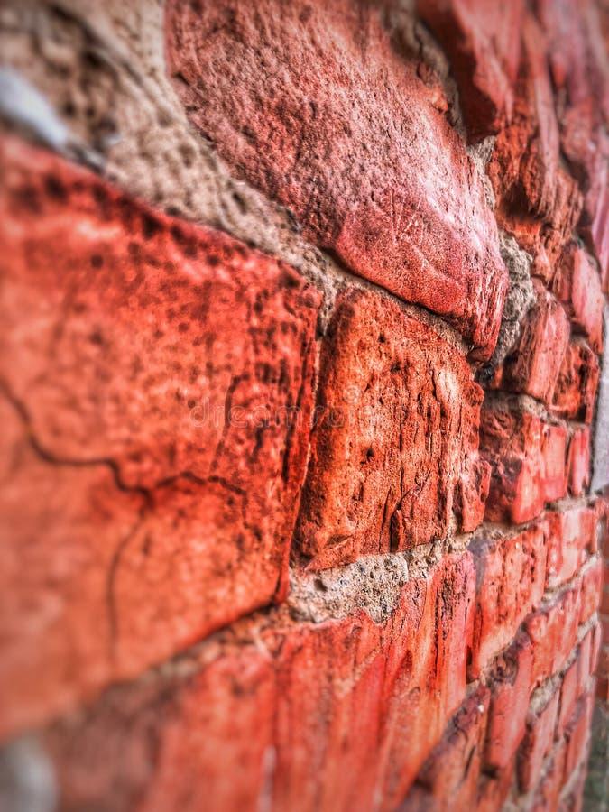 Παλαιός, στις ρωγμές, αλλά το μην σπασμένο φρούριο στοκ φωτογραφίες