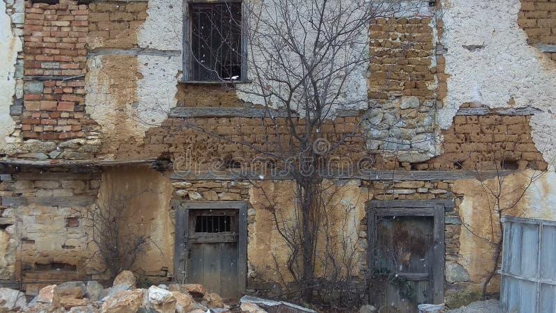 παλαιός τοίχος του σπιτιού στοκ εικόνες με δικαίωμα ελεύθερης χρήσης