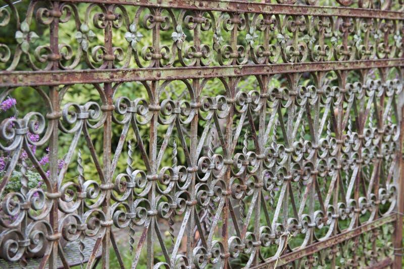 Παλαιός φράκτης κήπων στοκ εικόνες με δικαίωμα ελεύθερης χρήσης
