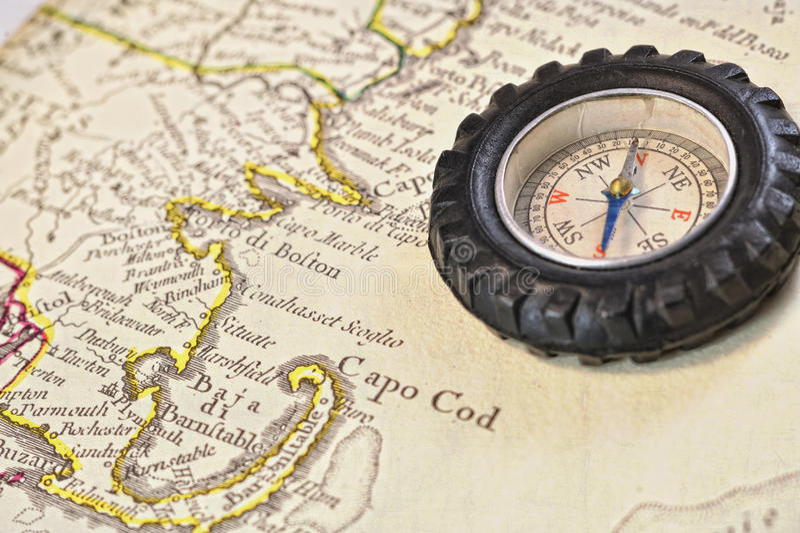 παλαιός χάρτης πυξίδων βακ& στοκ φωτογραφίες με δικαίωμα ελεύθερης χρήσης