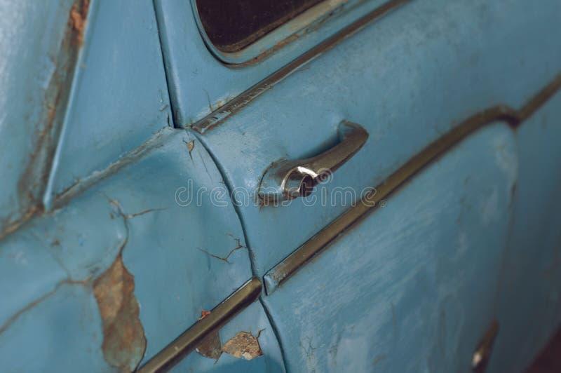 Παλαιό αυτοκίνητο, παλαιό μπλε αυτοκίνητο, παλαιό, παλαιό, πολύ παλαιό αυτοκίνητο Maisha, στοκ εικόνες