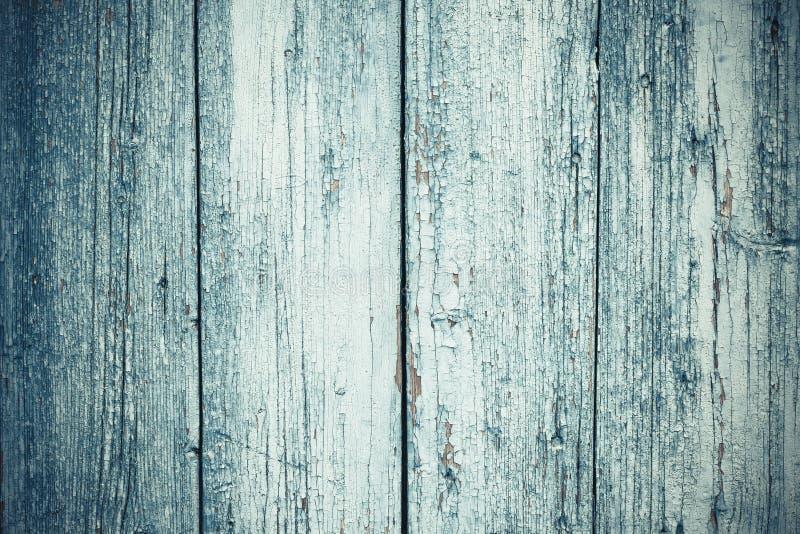Παλαιό γκρίζο ξύλινο υπόβαθρο στο εκλεκτής ποιότητας ύφος Διαστημική σύσταση : Πράσινη ξύλινη πόρτα Κάθετες γραμμές στον μπλε χρω στοκ φωτογραφία