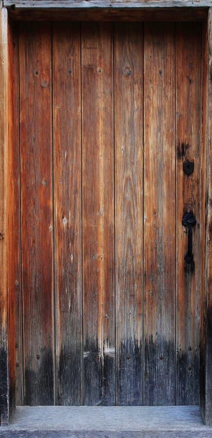 παλαιό δάσος πορτών στοκ εικόνα με δικαίωμα ελεύθερης χρήσης