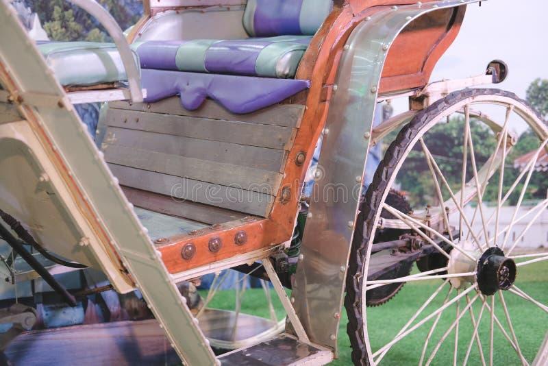Παλαιό εκλεκτής ποιότητας αναδρομικό ασιατικό τρίκυκλο στοκ φωτογραφία με δικαίωμα ελεύθερης χρήσης