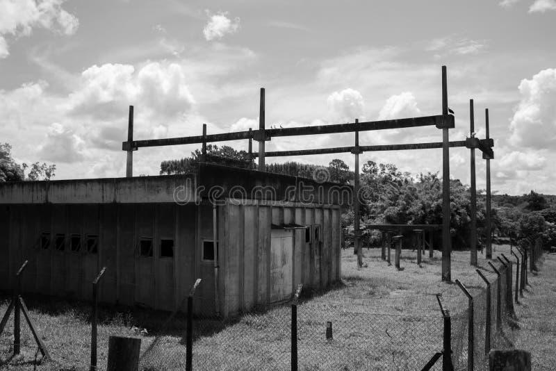 Παλαιό εργοστάσιο παραγωγής ηλεκτρικού ρεύματος στοκ φωτογραφία με δικαίωμα ελεύθερης χρήσης