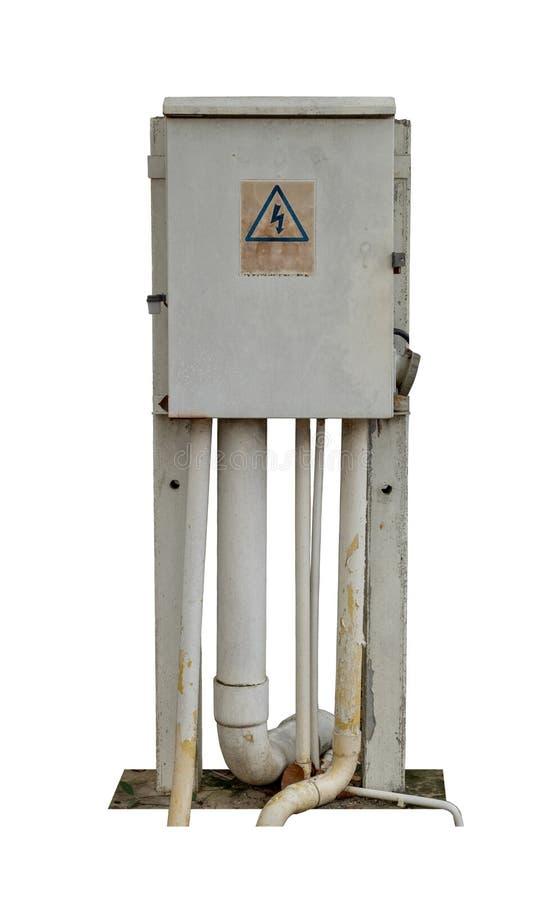 Παλαιό ηλεκτρικό κιβώτιο διανομής που απομονώνεται στο άσπρο υπόβαθρο, με το ψαλίδισμα της πορείας στοκ φωτογραφίες με δικαίωμα ελεύθερης χρήσης