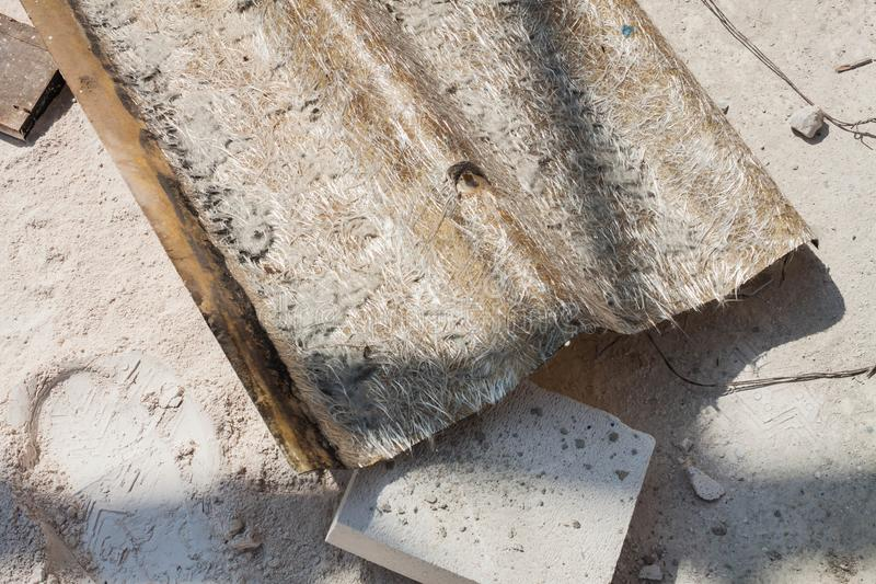 Παλαιό κεραμίδι υλικού κατασκευής σκεπής του γυαλιού ινών στοκ φωτογραφίες με δικαίωμα ελεύθερης χρήσης