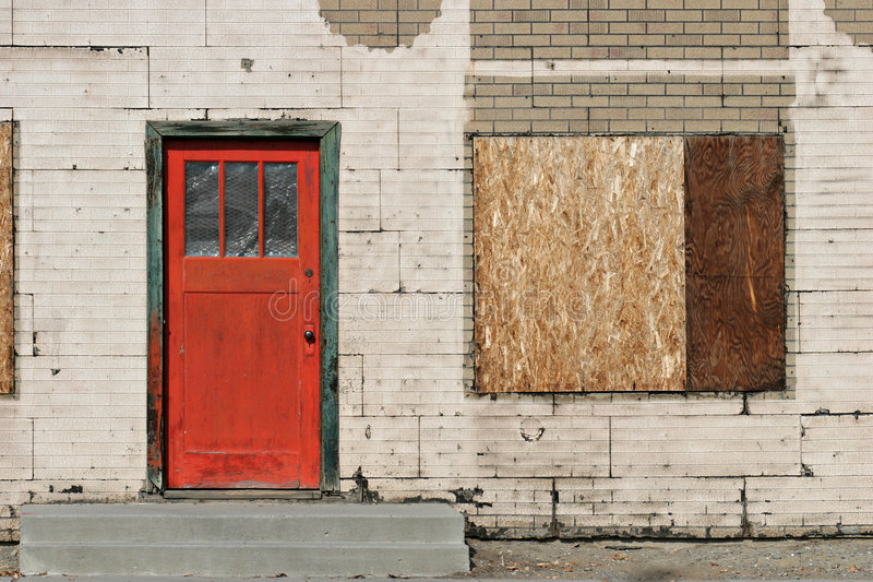 παλαιό κόκκινο πορτών στοκ εικόνες με δικαίωμα ελεύθερης χρήσης