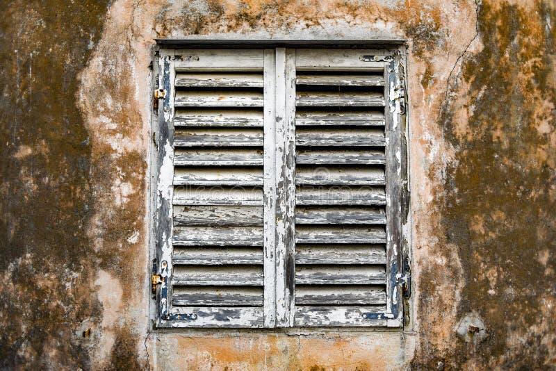 Παλαιό ξύλινο παράθυρο, εκλεκτής ποιότητας και αναδρομικός στοκ φωτογραφίες με δικαίωμα ελεύθερης χρήσης