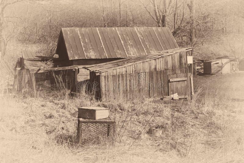 Παλαιό ξύλινο υπόστεγο στοκ εικόνα