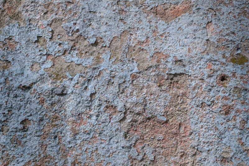 Παλαιό πελεκημένο ασβεστοκονίαμα στο συμπαγή τοίχο, πελεκημένο χρώμα, μπλε σύσταση, υπόβαθρο στοκ εικόνα με δικαίωμα ελεύθερης χρήσης