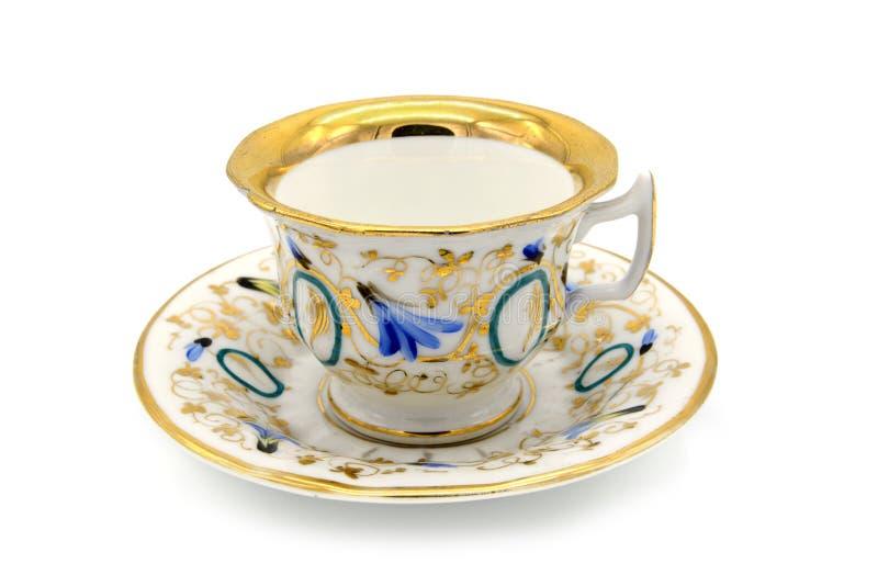 Παλαιό πιό biedermeier φλυτζάνι χρονικού καφέ απομονωμένο στο λευκό υπόβαθρο στοκ εικόνα με δικαίωμα ελεύθερης χρήσης