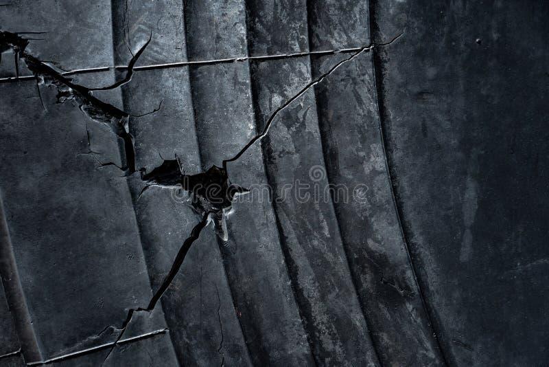 Παλαιό ραγισμένο λαστιχένιο υπόβαθρο σύστασης ροδών στοκ φωτογραφίες