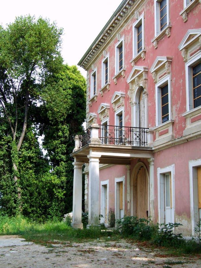 παλαιό ροζ σπιτιών στοκ φωτογραφία