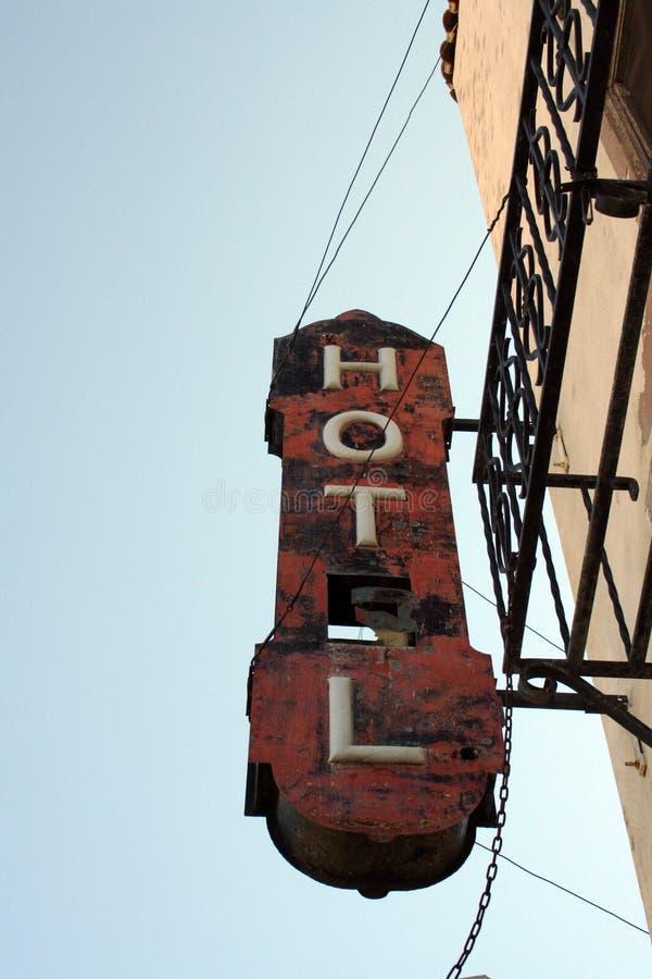 Παλαιό σημάδι ξενοδοχείων στοκ φωτογραφίες