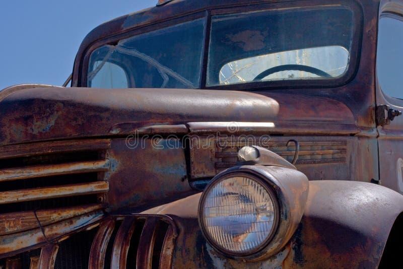 παλαιό σκουριασμένο truck στοκ φωτογραφίες