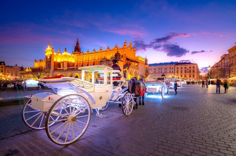 Παλαιό τετράγωνο πόλης αγοράς της Κρακοβίας, Πολωνία στοκ εικόνα