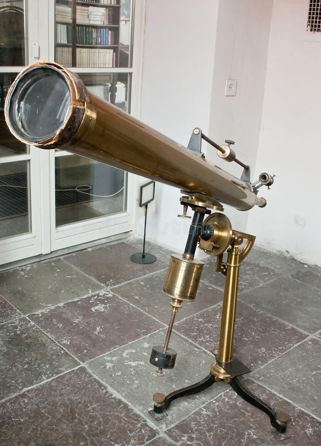 παλαιό τηλεσκόπιο καθρ&epsilon στοκ φωτογραφία με δικαίωμα ελεύθερης χρήσης