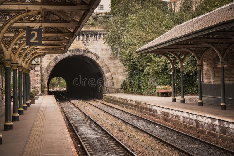 παλαιό τραίνο σταθμών βικτ&omi στοκ εικόνες με δικαίωμα ελεύθερης χρήσης