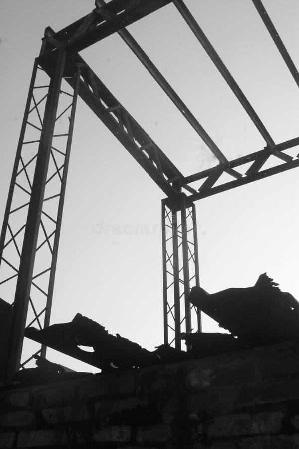 Παλαιό υπόστεγο σιδήρου στοκ φωτογραφία με δικαίωμα ελεύθερης χρήσης