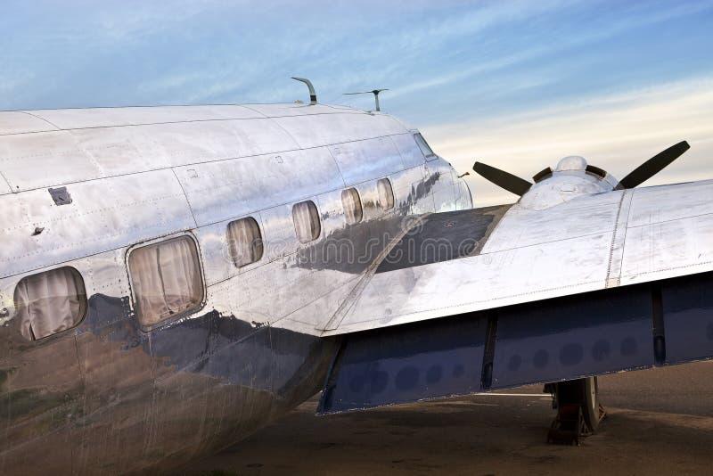 Παλαιό DC3 αεροπλάνο στοκ εικόνες