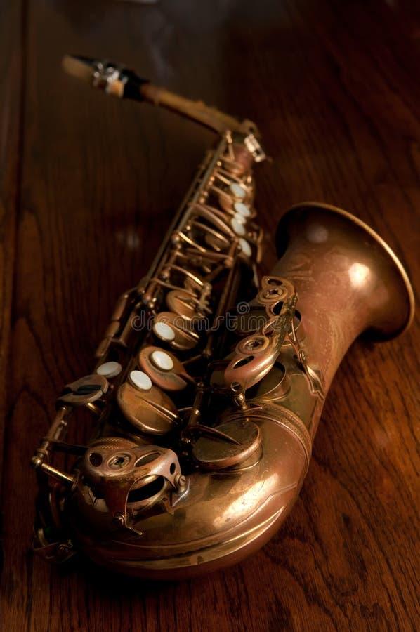 παλαιό saxophone alto στοκ φωτογραφία με δικαίωμα ελεύθερης χρήσης