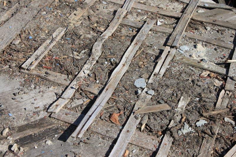 Παλιά χαλασμένα ξύλινα σανίδια Βρώμικα χαλασμένα σχέδια στοκ εικόνα
