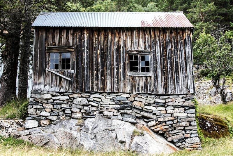 Παλιό εγκαταλελειμμένο σπίτι στοκ φωτογραφίες με δικαίωμα ελεύθερης χρήσης