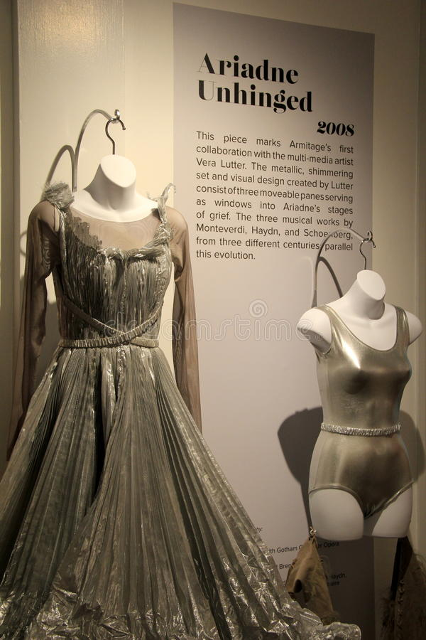Πανέμορφα κοστούμια χορού στην επίδειξη, Εθνικό Μουσείο του χορού, Saratoga Springs, Νέα Υόρκη, 2015 στοκ φωτογραφία με δικαίωμα ελεύθερης χρήσης