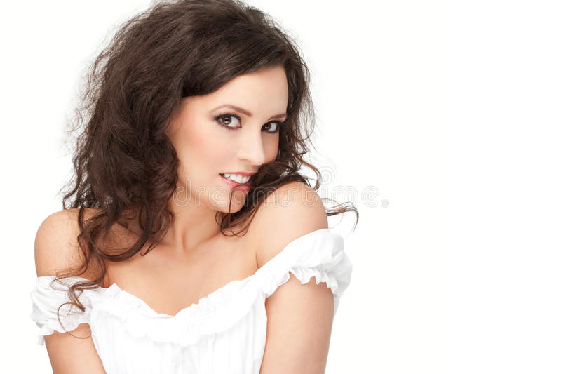 πανέμορφη τοποθέτηση brunette στοκ φωτογραφία με δικαίωμα ελεύθερης χρήσης