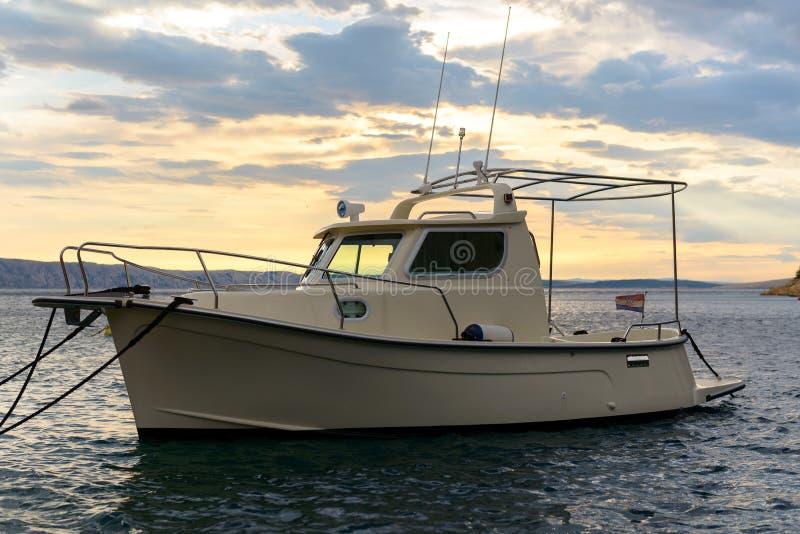 Πανί μιας πλέοντας βάρκας στοκ εικόνα