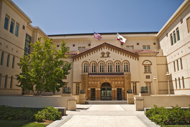 πανεπιστήμιο Νομικών Σχο&lambd στοκ φωτογραφία με δικαίωμα ελεύθερης χρήσης