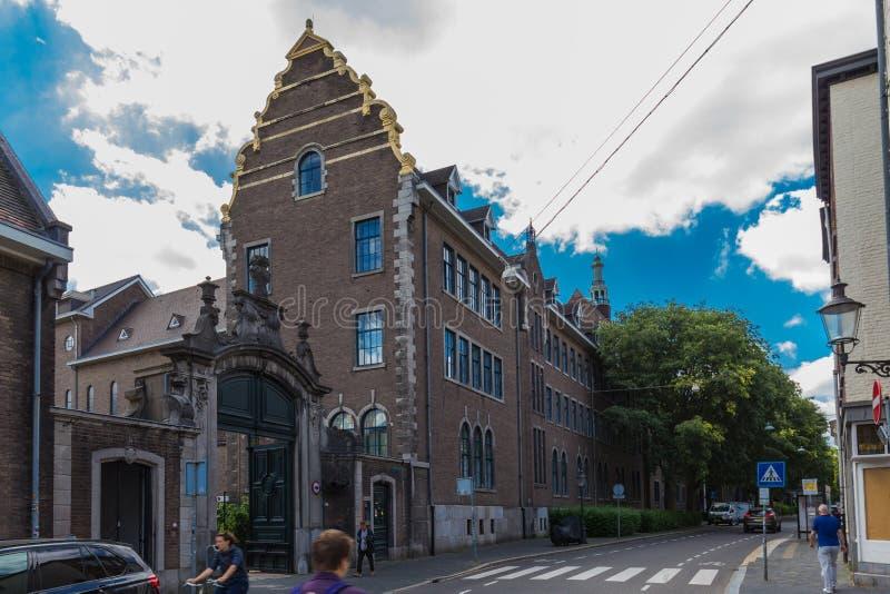 Πανεπιστήμιο του Μάαστριχτ - σχολείο της επιχείρησης των οικονομικών στοκ εικόνες