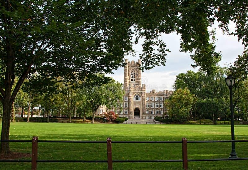 Πανεπιστήμιο Fordham, Bronx, πόλη της Νέας Υόρκης στοκ φωτογραφία με δικαίωμα ελεύθερης χρήσης